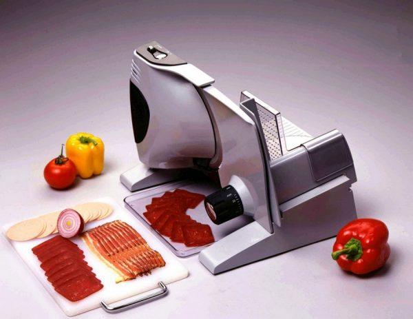 Слайсер для нарезки колбасы и овощей