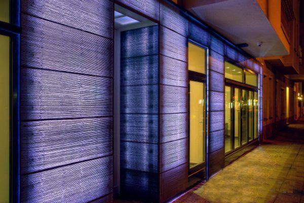 Стены из пропускающего свет материала