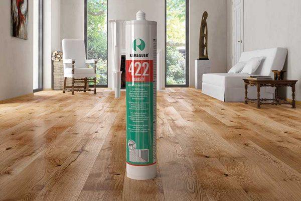 Заделка швов улучшает внешний вид и увеличивает срок службы деревянного пола