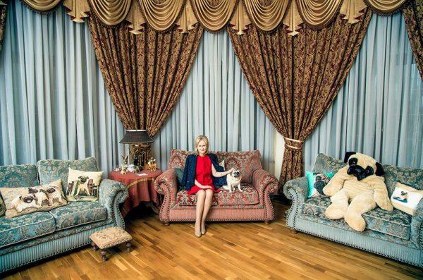 Гостиная комната Дарьи Донцовой