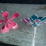 Цветочки из лака для ногтей и проволоки