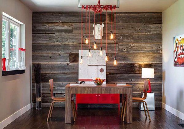 Деревянная стена в интерьере кухни