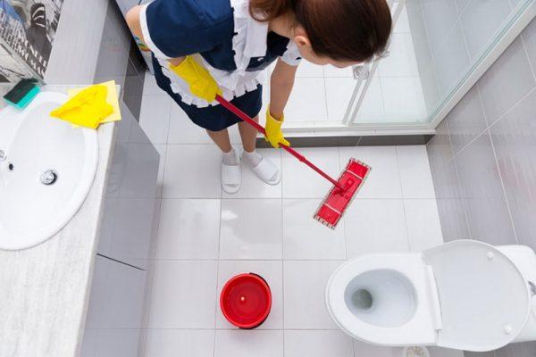 Для пола в ванной важна легкость уборки
