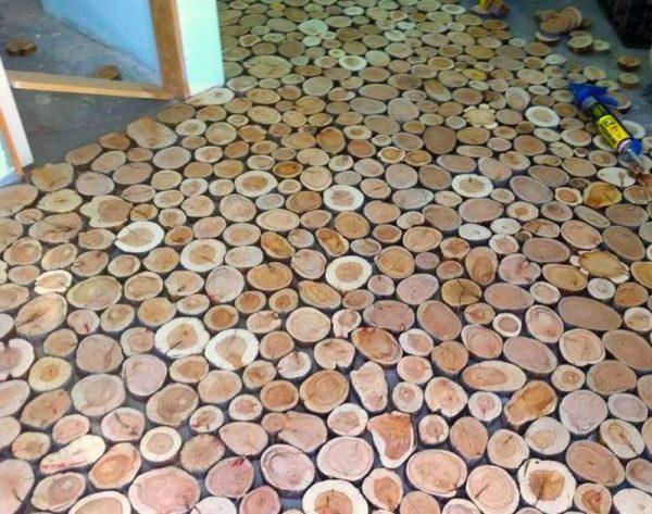 Экологичный пол из древесных спилов