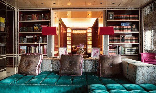 Эксклюзивная мебель в квартире Валерии