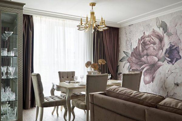 Фреска с пионами в гостиной