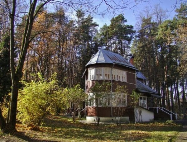 Дачный дом Литвиновой в посёлке Переделкино на улице Погодина