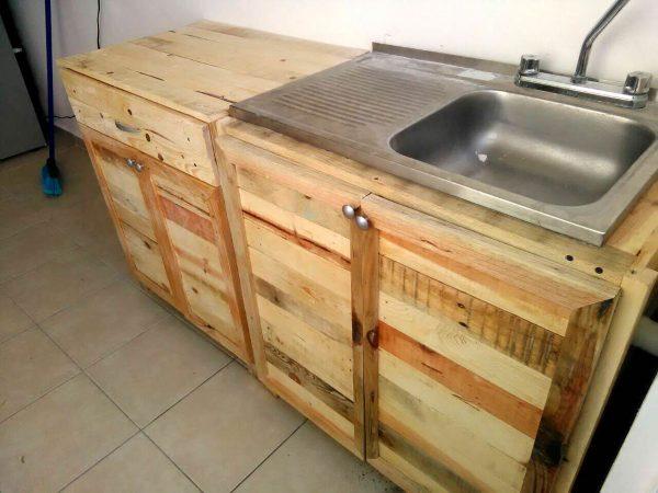 Кухонная мойка из поддонов