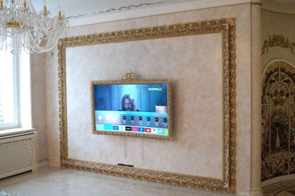Телевизор в рамке из багета