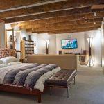 Оформление спальни в подвале