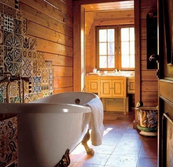 Оформление ванной комнаты в доме Кончаловского и Высоцкой