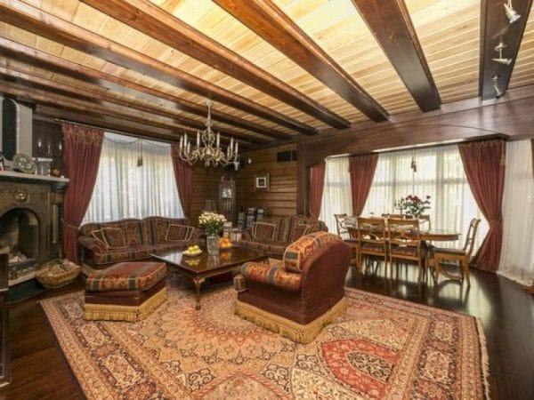 Дача Михалкова на Николиной горе - гостиная комната
