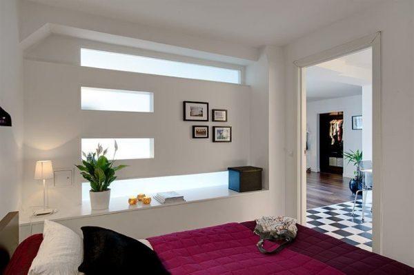 При оформлении помещения без окон рекомендуется использовать светлые тона