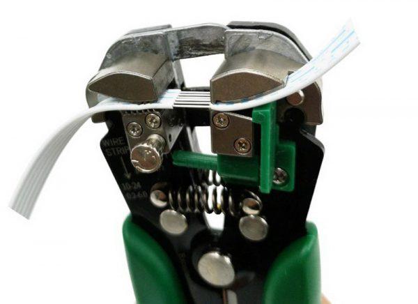 Приспособление для зачистки и обжима проводов