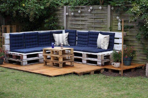 Садовая мебель из деревянных паллет