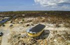 Круглый дом на сваях устоявший после урагана