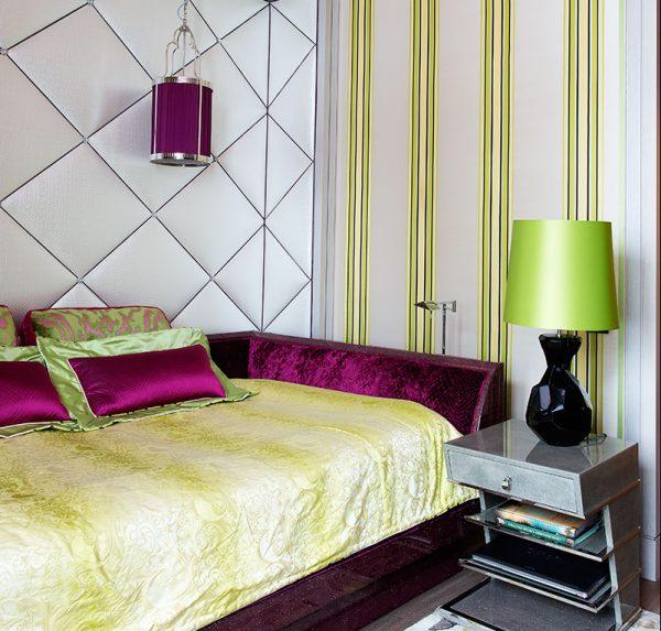 В комнате дочери Валерии стены обиты шелковой тканью и сатином