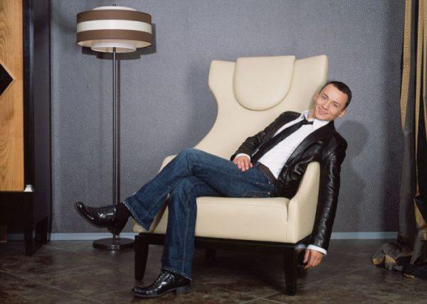 Актер, телеведущий и заслуженный артист России Александр Олешко