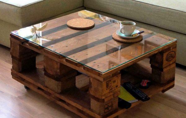 Журнальный стол из паллет