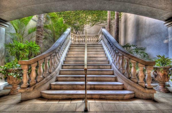3D изображение старинной лестницы