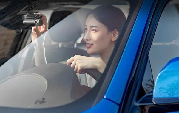 Автомобильный видеорегистратор с антирадаром