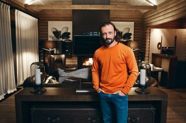 Илья Авербух в своем загородном доме