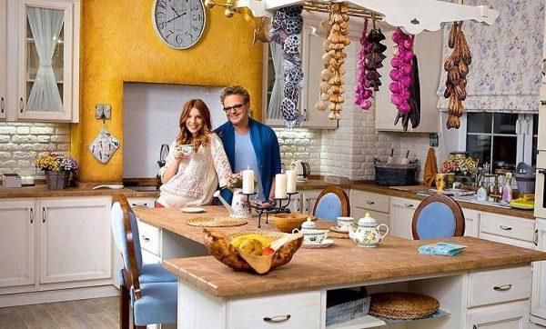 Кухня и столовая в доме Преснякова