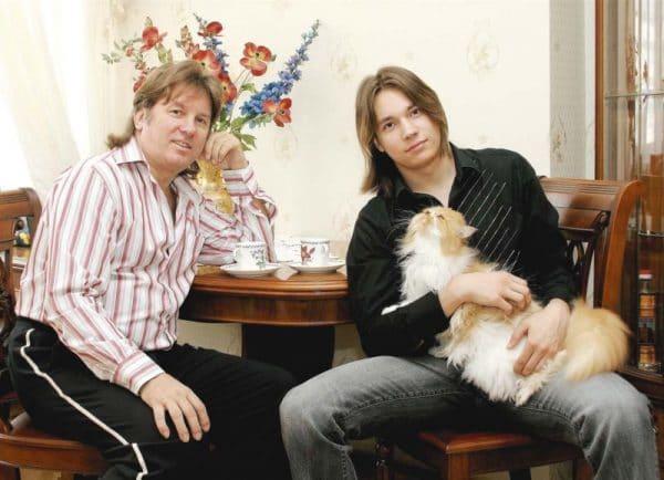 Юрий лоза с сыном
