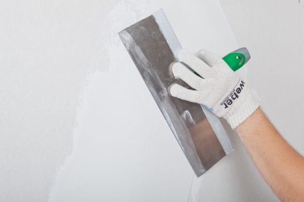 Финишное выравнивание стен шпатлевкой