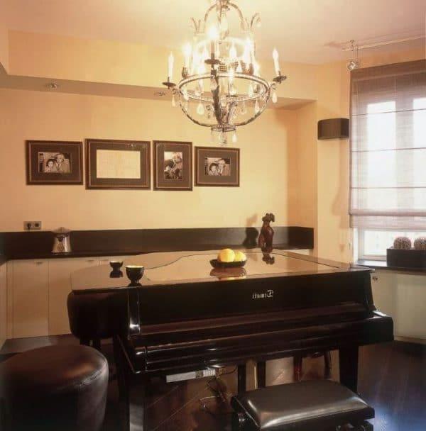 Черный рояль в квартире Тимати