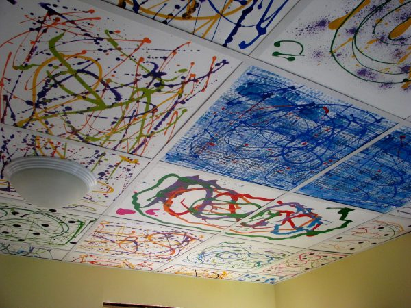 Креативный рисунок на потолке