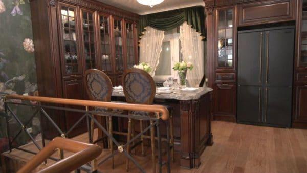 Интерьер кухни в доме Гузеевой