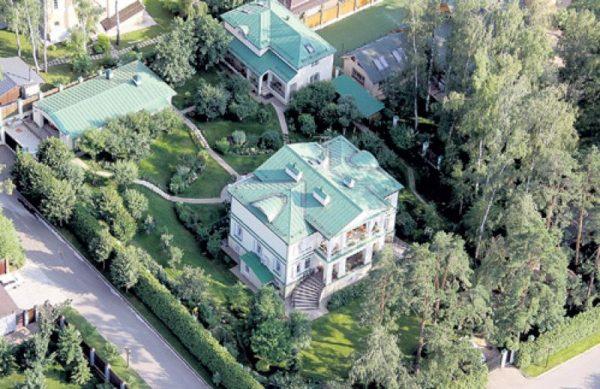 Загородный дом Леонида Якубовича
