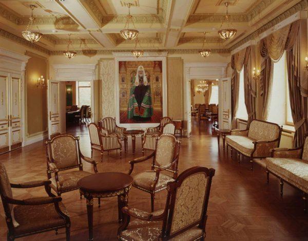 Оформление приемной во дворце Патриарха