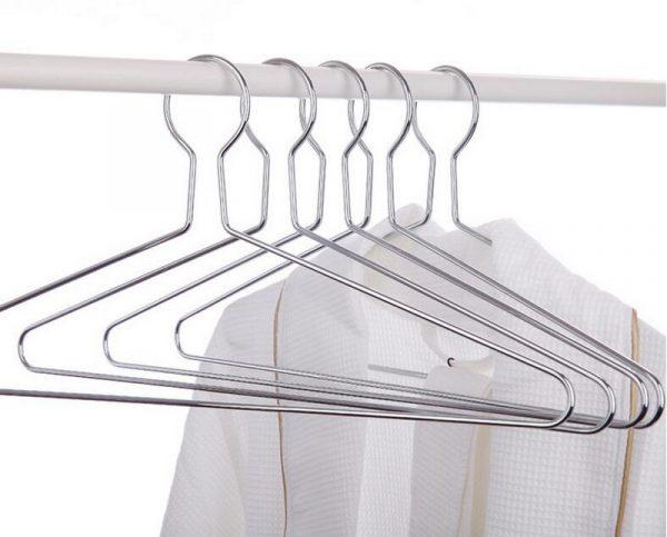 Плечики из проволоки для хранения одежды