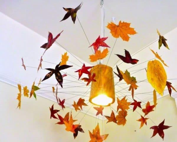 Осеннее украшение потолка