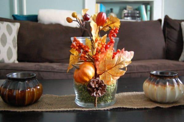 Декорирование вазы осенними листьями