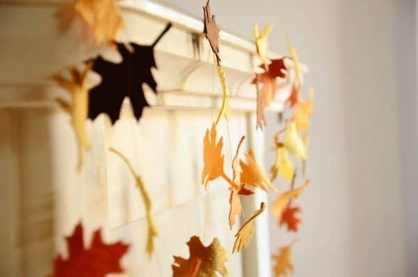 Осенние украшения для интерьера гирлянды