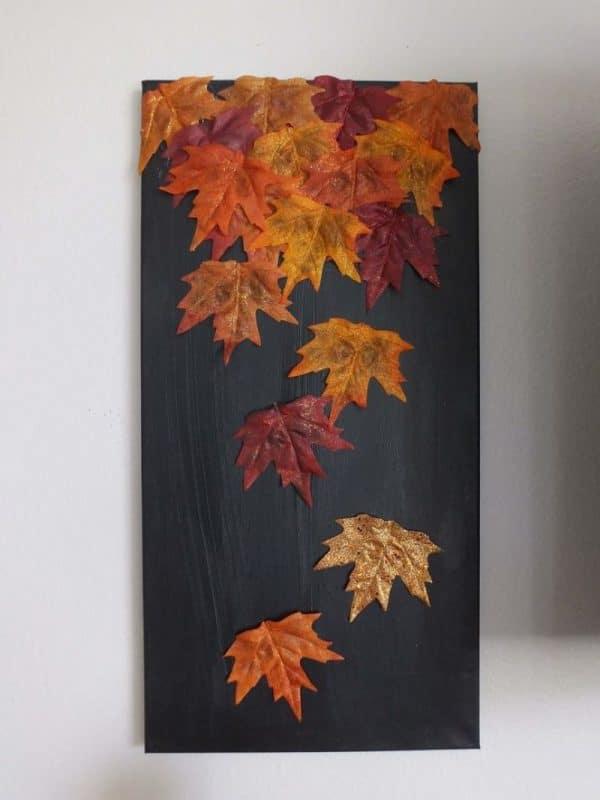 Панно из осенних листьев
