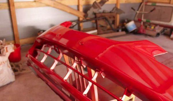 Покрашенный бампер в красный цвет