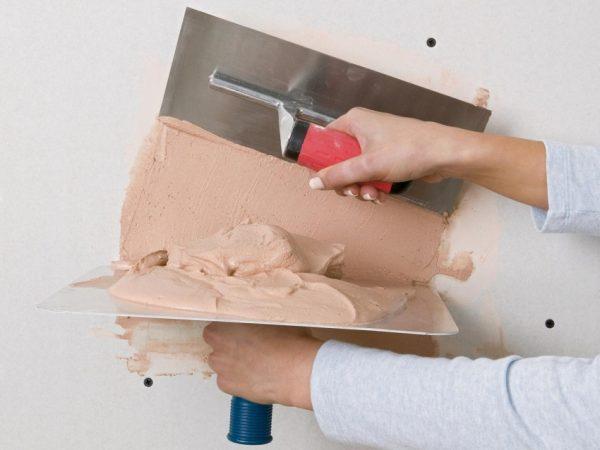 Покрытие стен из ГКЛ декоративной штукатуркой