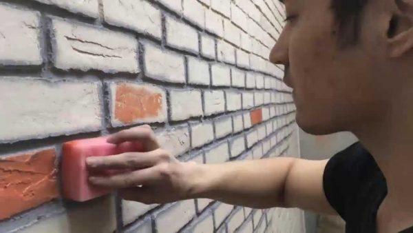 Придание дополнительной фактурности с помощью губки