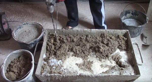 Приготовление состава для штукатурных работ на цементной основе