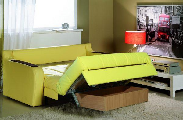 Раскладной диван с бельевым ящиком
