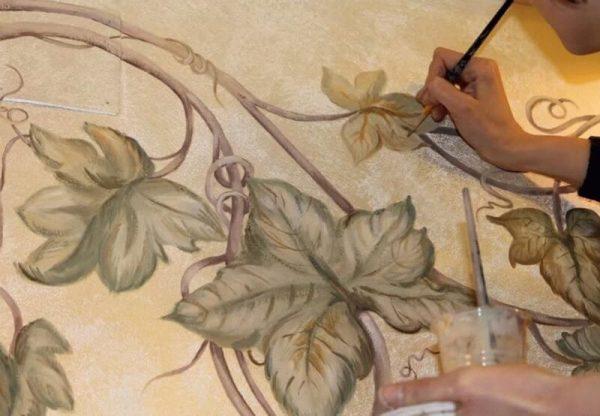 Технология рисования по сырой штукатурке водяными красками