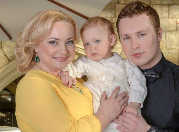 Светлана Пермякова с мужем и дочкой