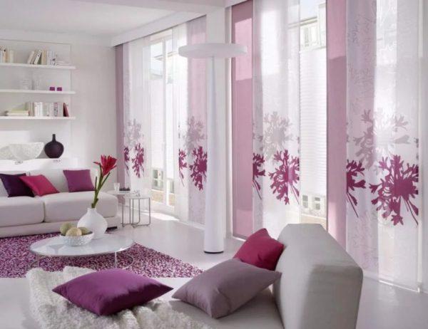 Японские шторы в интерьере гостиной