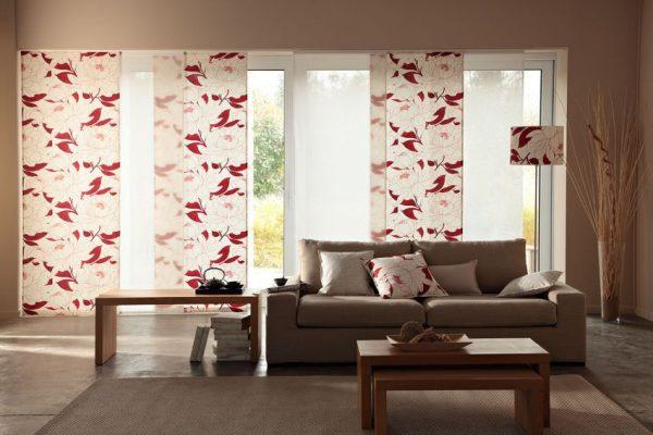 Японские шторы с яркими рисунками и интересным декором
