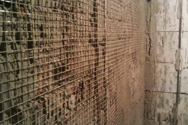 Армирующая сетка повышает несущую способность штукатурного слоя