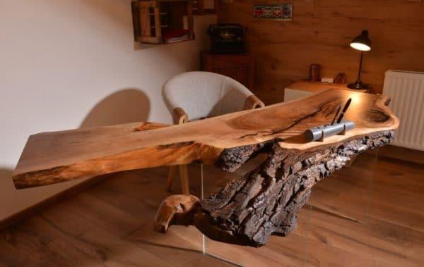 Стол из деревянных слэбов